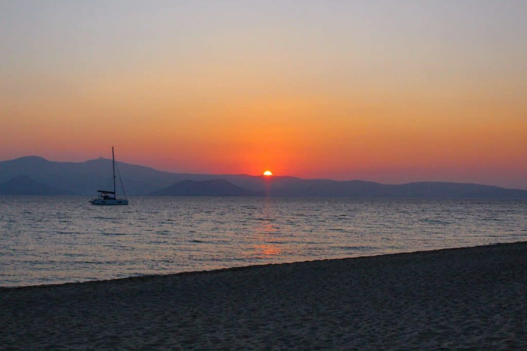 Maragas Beach: Enjoy a slice of island paradise on the best Naxos beaches in the popular Cyclades islands in Greece. From sandy beaches with crystal waters and secret coves for privacy, these are the best beaches in Naxos.
