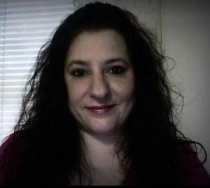 L.E. Maguire Author Pic