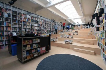 plural-bookshop10-550x366