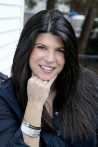 Interview & Giveaway with Stephanie Tyler
