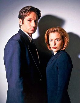 david-duchovny-fox-mulder-dana-scully-gillian-anderson