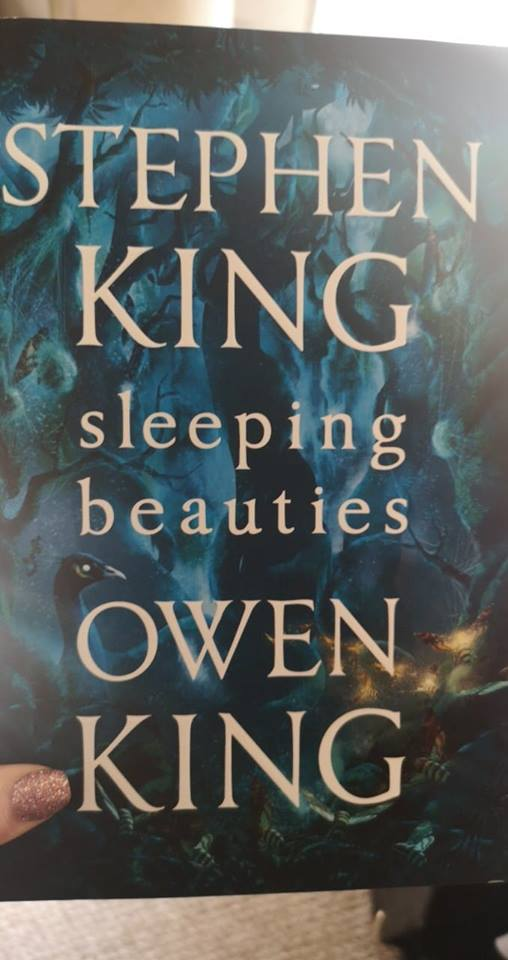 Image may contain: text that says 'STEPHEN KING sleeping beauties OWEN KING'