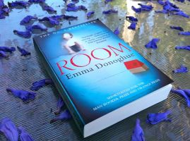 room_bookreview_enhanced