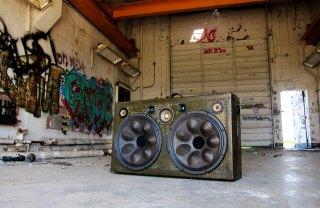 Vintage Suitcase Speaker BoomBox by BoomCase Retro Speakers