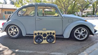 VW Bug BoomCase BoomBox Vintage Suitcase Stereo Speaker System California 69 Beetle Volkswagen