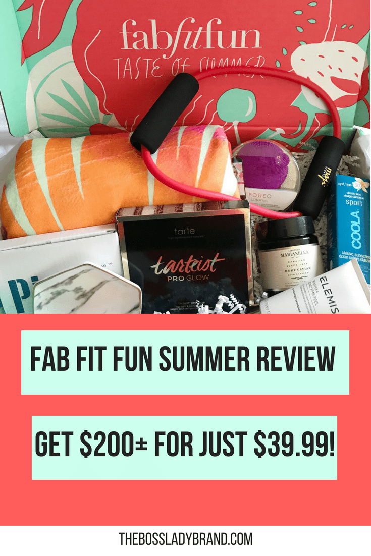 The Fab Fit Fun Summer box was one of the best this year! With all of these goodies for such a great price, how can you resist?! You can sign up for $39.99! #fabfitfun #fabfitfunsummer2018