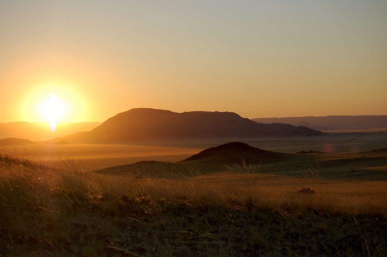 sossusvlei namibia sunrise