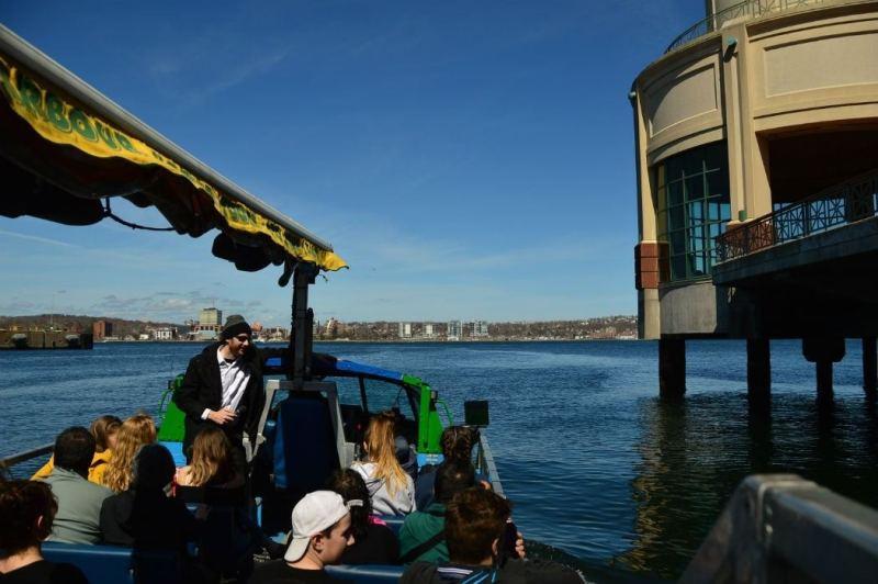 halifax harbour hopper tour