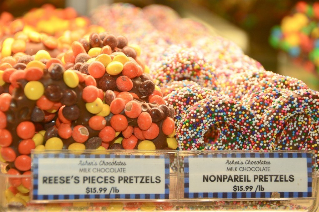 sweet pretzels on display at reading terminal market philadelphia