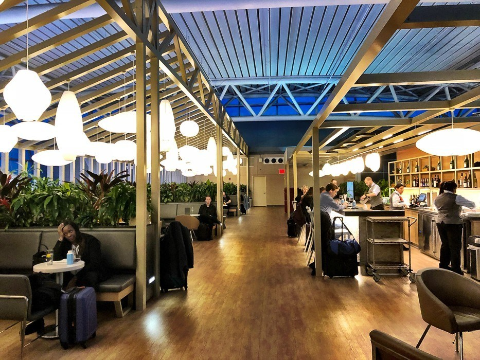 american airlines lounge at JFK airport New York
