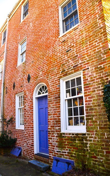 antique-row-philadelphia house with purple door