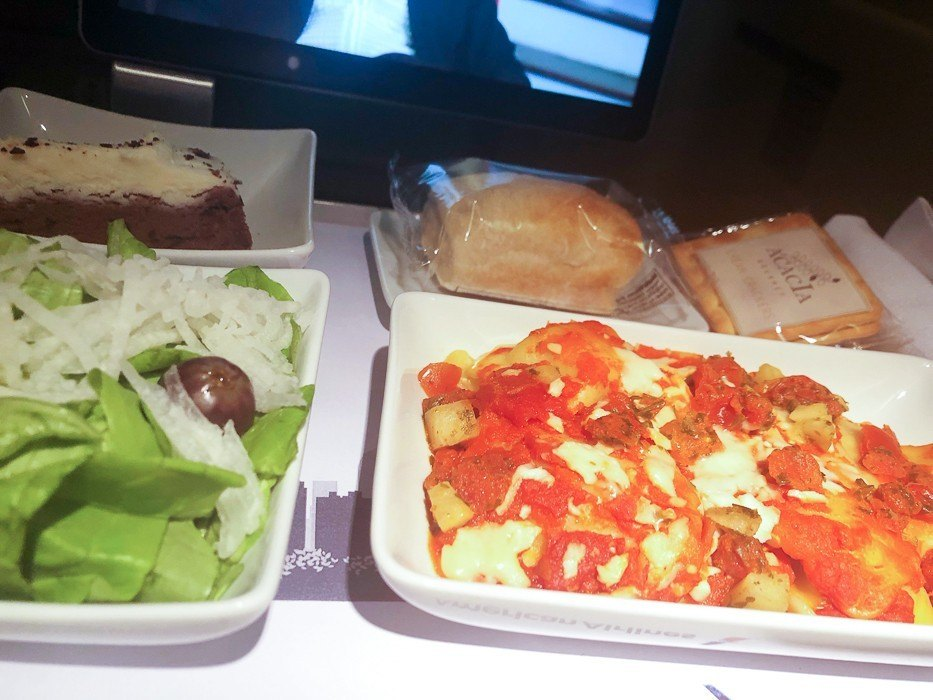 premium economy american airlines meal with pasta