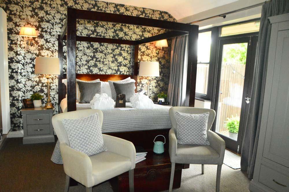 england_yorkshire-yorebridge-house--bedroom.JPG