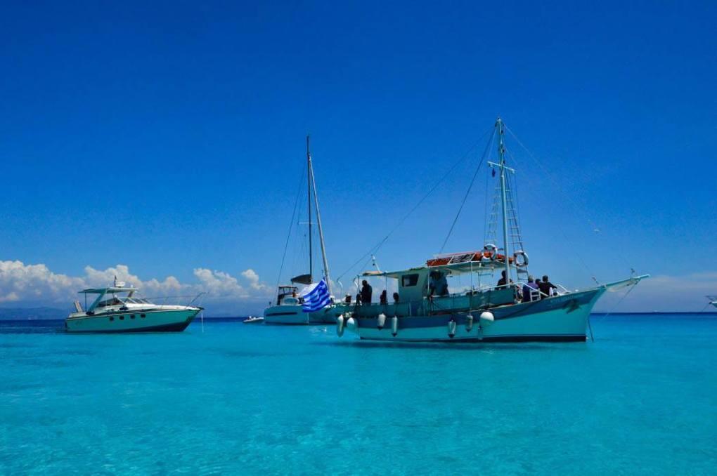 greece_paxos_antipaxos-boats