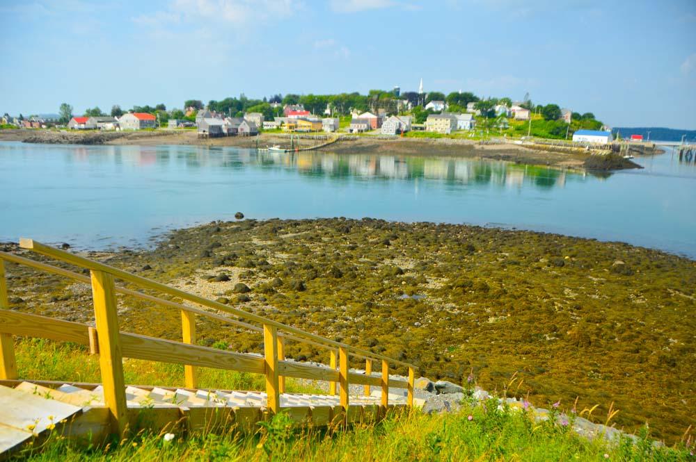 canada_new-brunswick_campobello-island-view-to-lubeck-maine