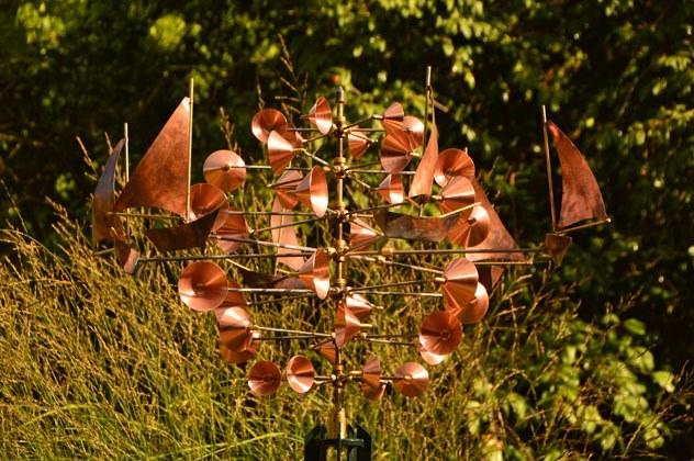 england_romsey_harold-hillier-gardens-copper-sculpture