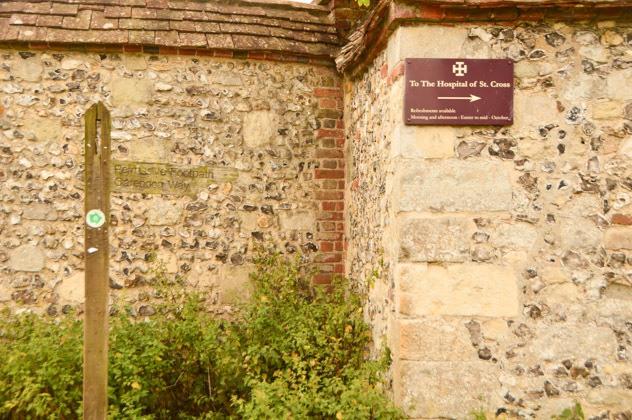 england_winchester_hospital-st-cross-sign