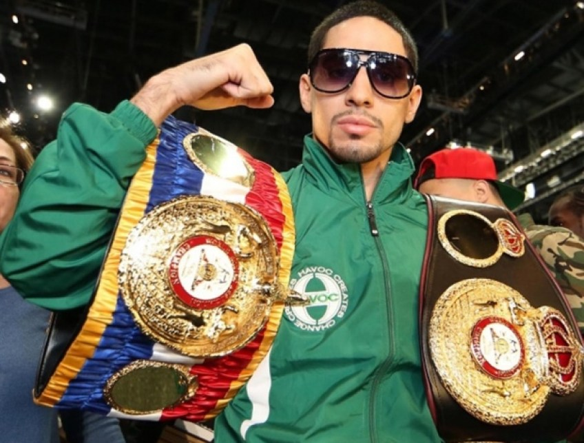 https://i1.wp.com/theboxingtribune.com/wp-content/uploads/2014/10/danny-garcia-with-belts.jpg?resize=848%2C643