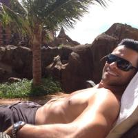MARK CONSUELOS STALKER: PHOTOS YOU WANT TO WAKE UP TO
