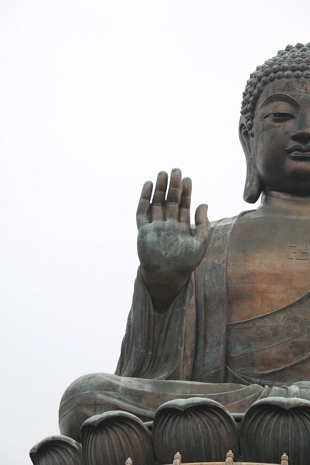 Hong_Kong_Lantau_Island_Big_Buddha_12_thebraidedgirl
