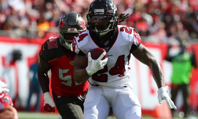 Eagles Offered Contract to Devonta Freeman, Who is Weighing Other Offers