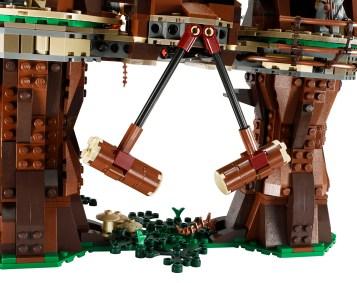 LEGO 10236 Ewok Village Crush