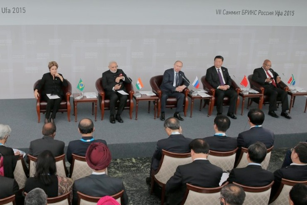 From left : Brazilian President Dilma Rousseff, Indian Prime Minister Narendra Modi, Russian President Vladimir Putin, Chinese president Xi Jinping, South African President Jacob Zuma at the BRICS Business Council meet in Ufa Russia on 9 July [PPIO]
