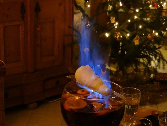 This is what Feuerzangenbowle looks like, in the safety and serenity of a German home!