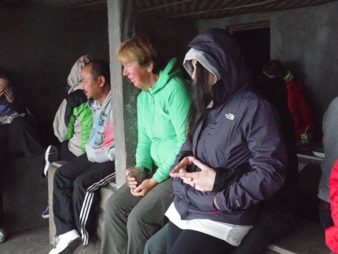 Some of the other tourists wrapped up warmly.