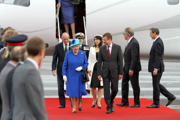 The Queen & Prince Philip arriving at Tegel Airport, Berlin. ©impresspicture Buddy Bartelsen