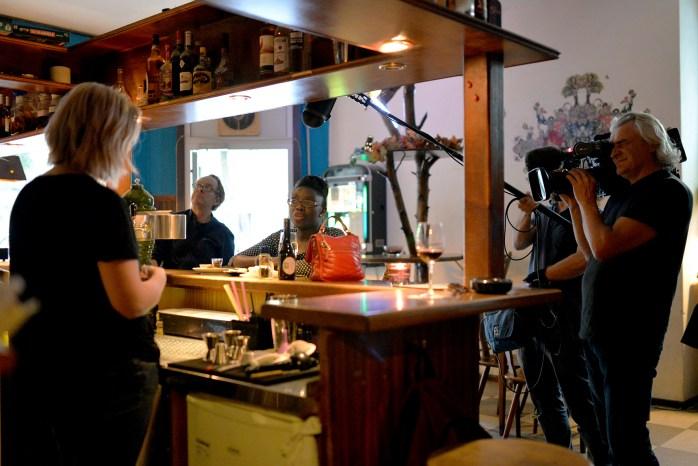 Filming at the Scottish pub - Das Gift - © Pascale Scerbo Sarro