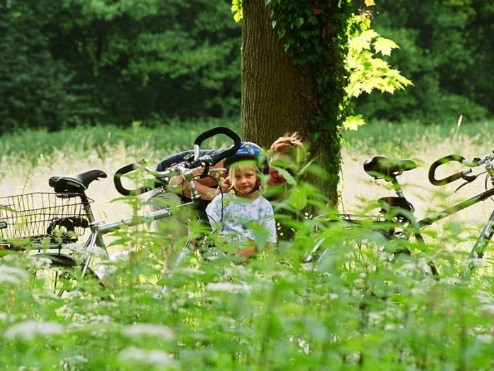 A family bike ride in Osnabrück. © Tourismusverband Osnabrücker Land e.V.