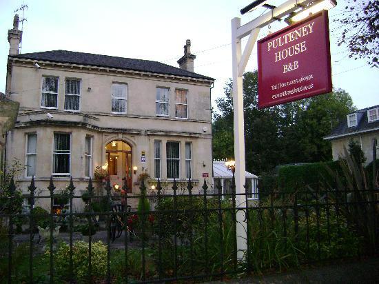 Pulteney House B&B in Bath, England.
