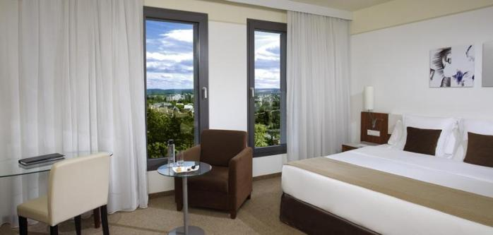Huge windows on the Level Room floor of the Meliá Luxembourg Hotel.