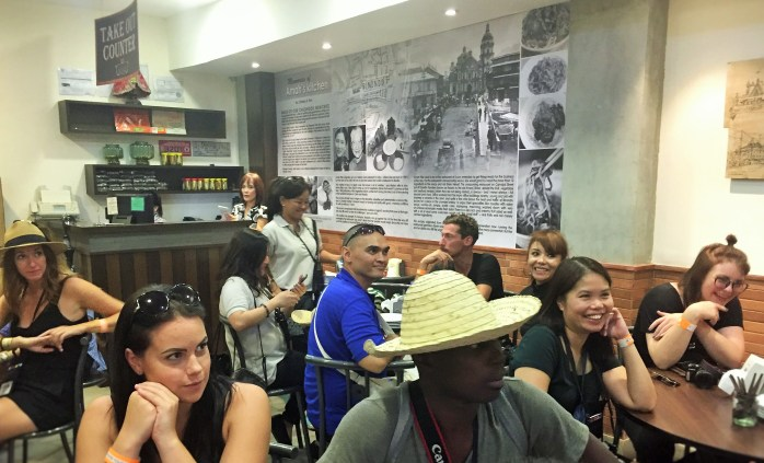 TBEX bloggers at the famous Chinese restaurant called Quik Snack / Quick Snack - Amah's kitchen!