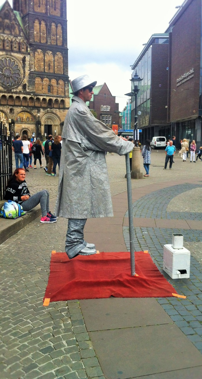 This street performer was very entertaining!