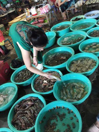 seafood-cangio-seller-thebroadlife-market