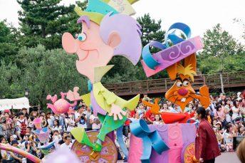 parade-madhatter-marchhare-wonderland-disneyland-tokyo-japan-thebroadlife-travel-wanderlust-asia
