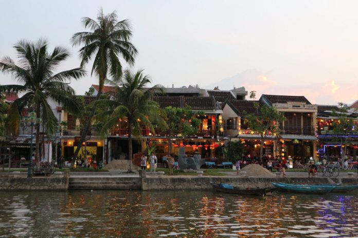 the bars on the other sides of Hoi An ancient town