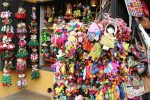 souvenir-gift-doll-shopping-hoian-ancienttown-thebroadlife-travel-vietnam