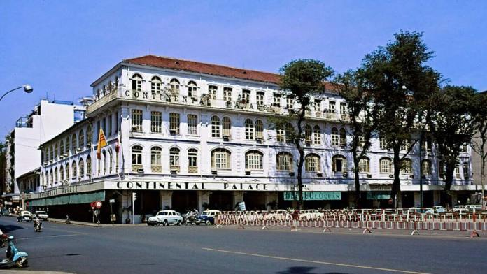 Hotel Continental Saigon in 1970 on Dong Khoi street