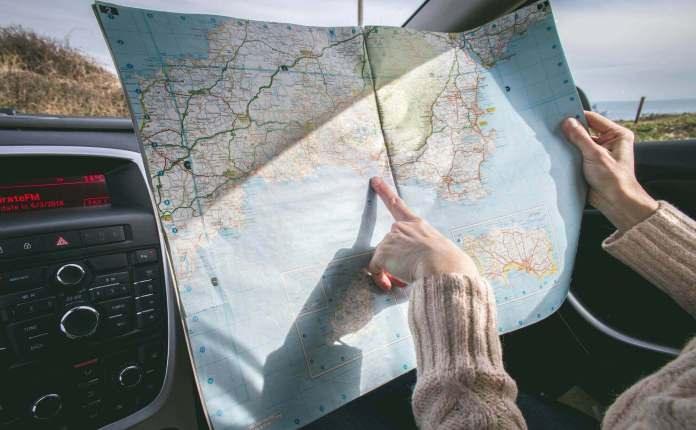 Reading the map to travel around