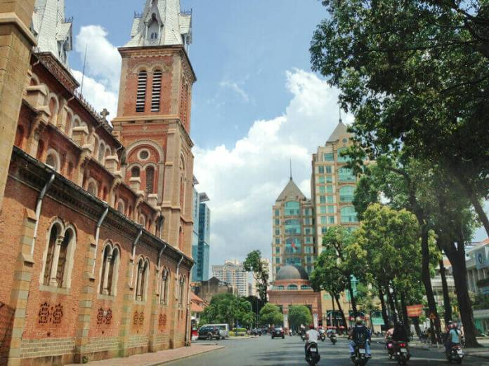 the size view of the church of Saigon