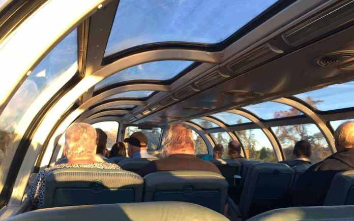 In the upstairs of the skyline dome car is a space with a 360° view to the outside