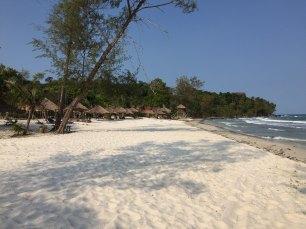 kohrong-beach-thebroadlife-travel-sihanouk-cambodia
