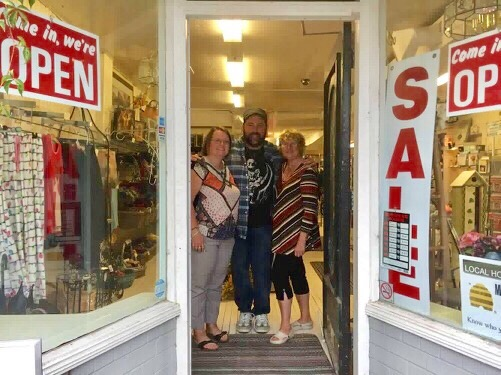 New owners of Shirley's Country Clutter excited to embrace Beaverton community