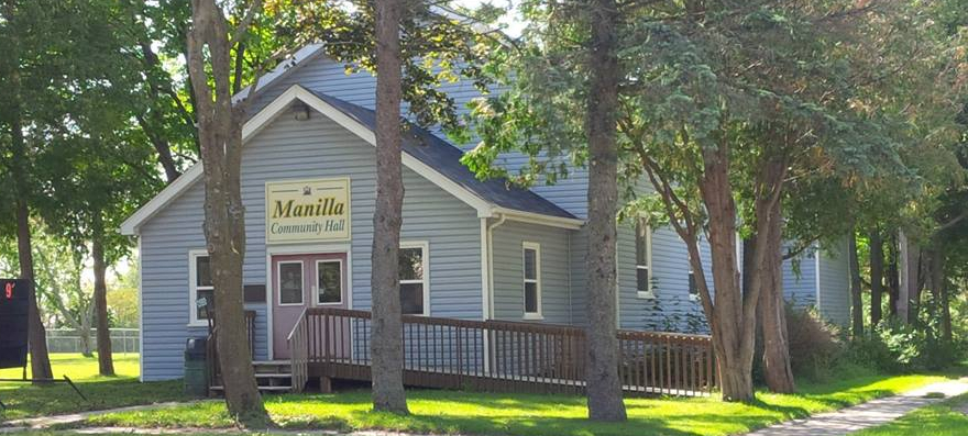 Ministry of Education rep in favour of EarlyON centre at Manilla Hall