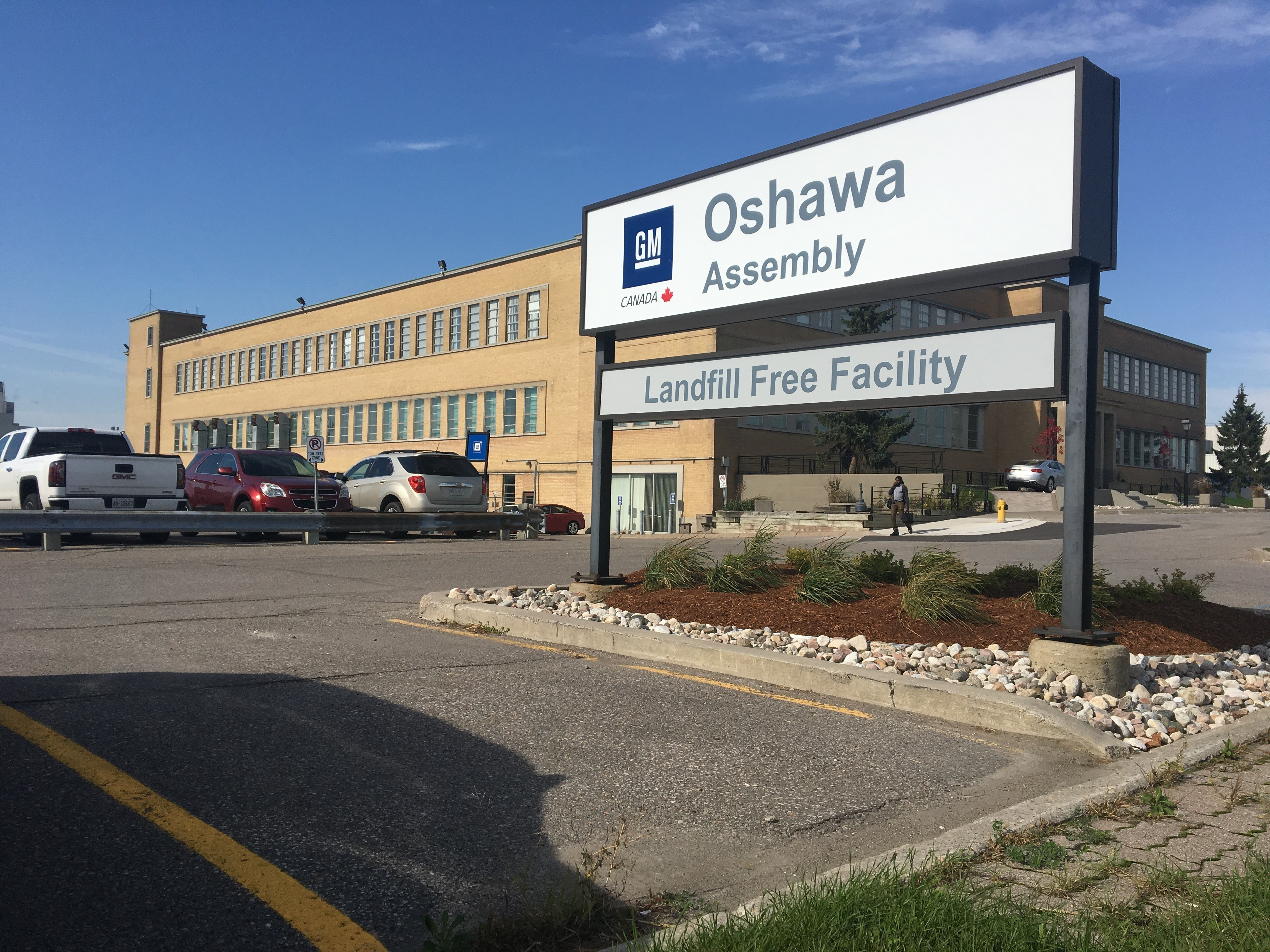 GM, Unifor announce agreement that will save 300 jobs at Oshawa plant