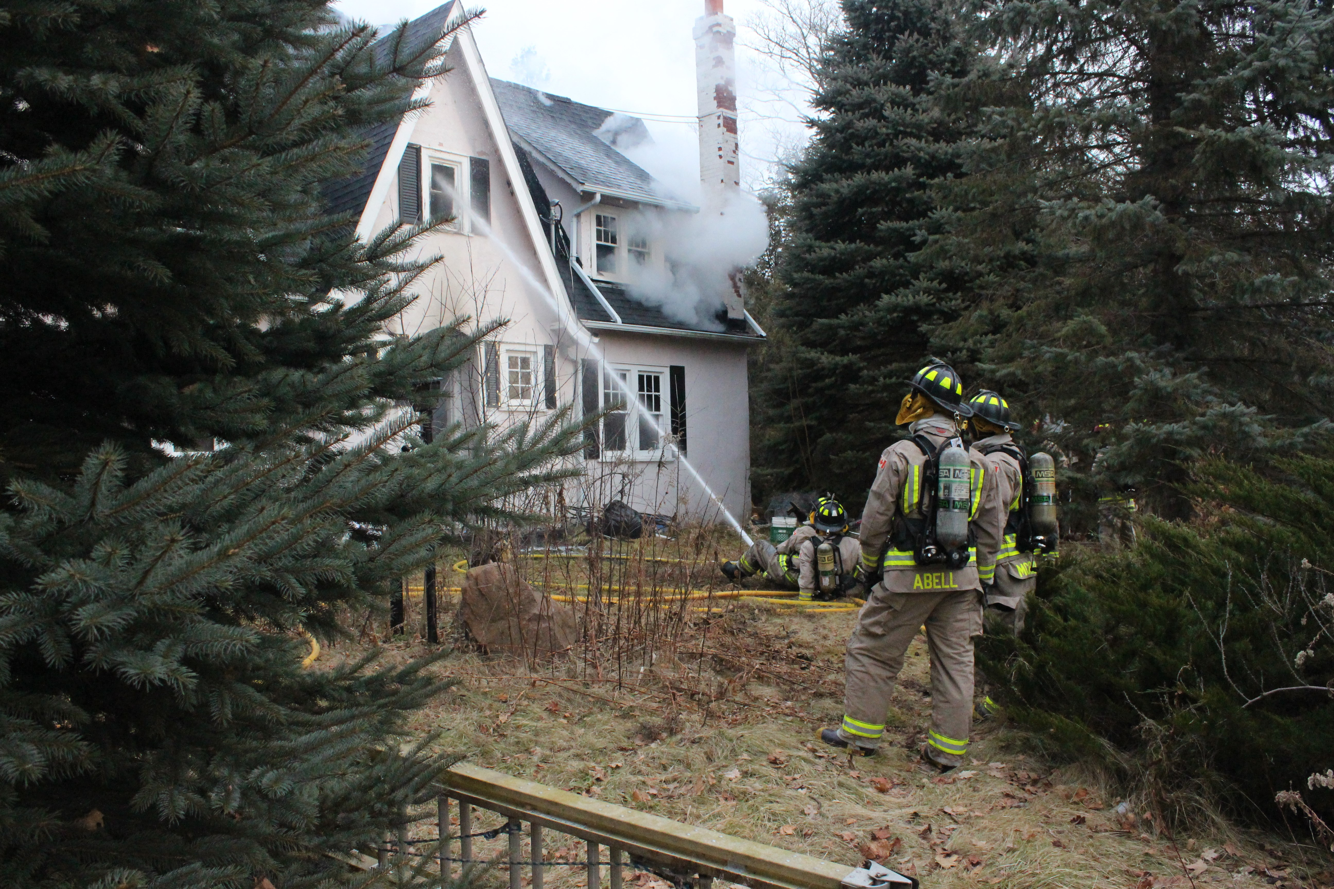 Blaze breaks out at Cannington home