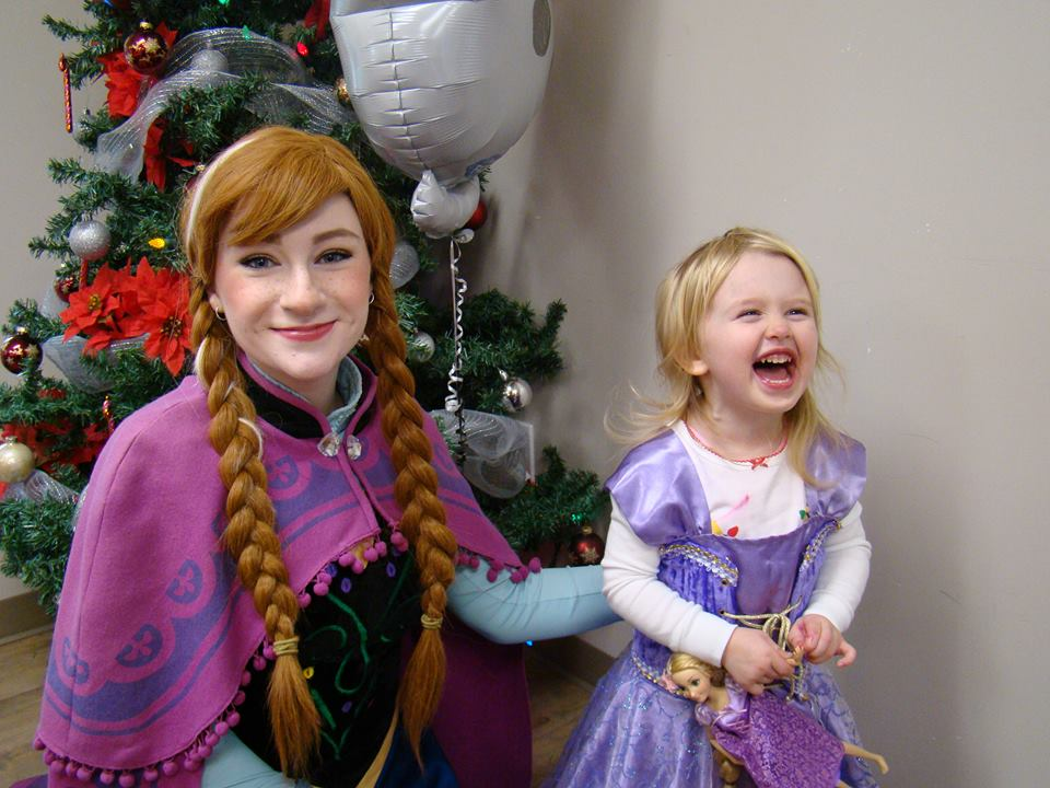 Youngsters help spread holiday cheer to area seniors